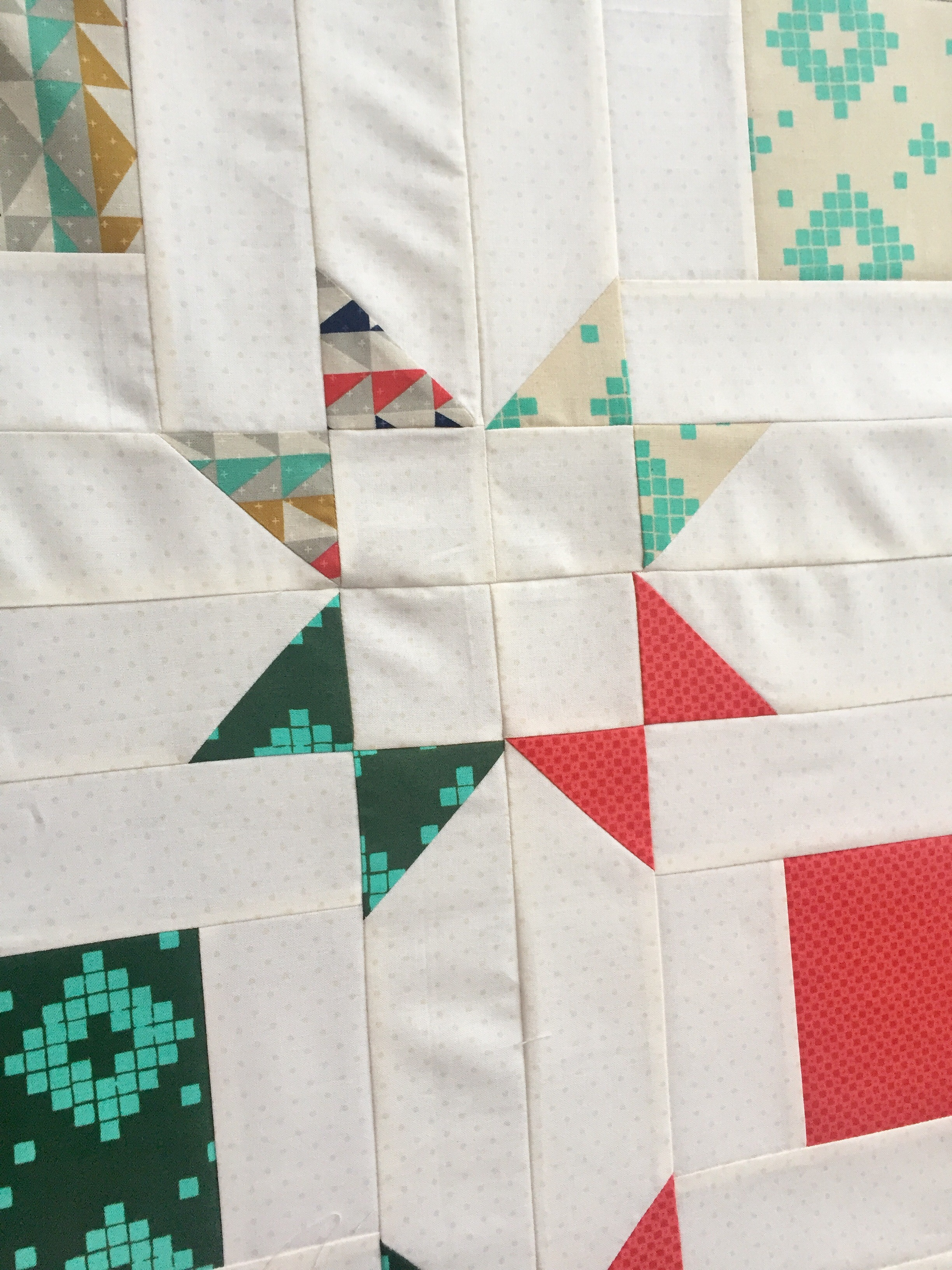 Layer Cake Quilt Along : Layer Cake Pop Quilt Along and giveaway! - The Sassy Quilter
